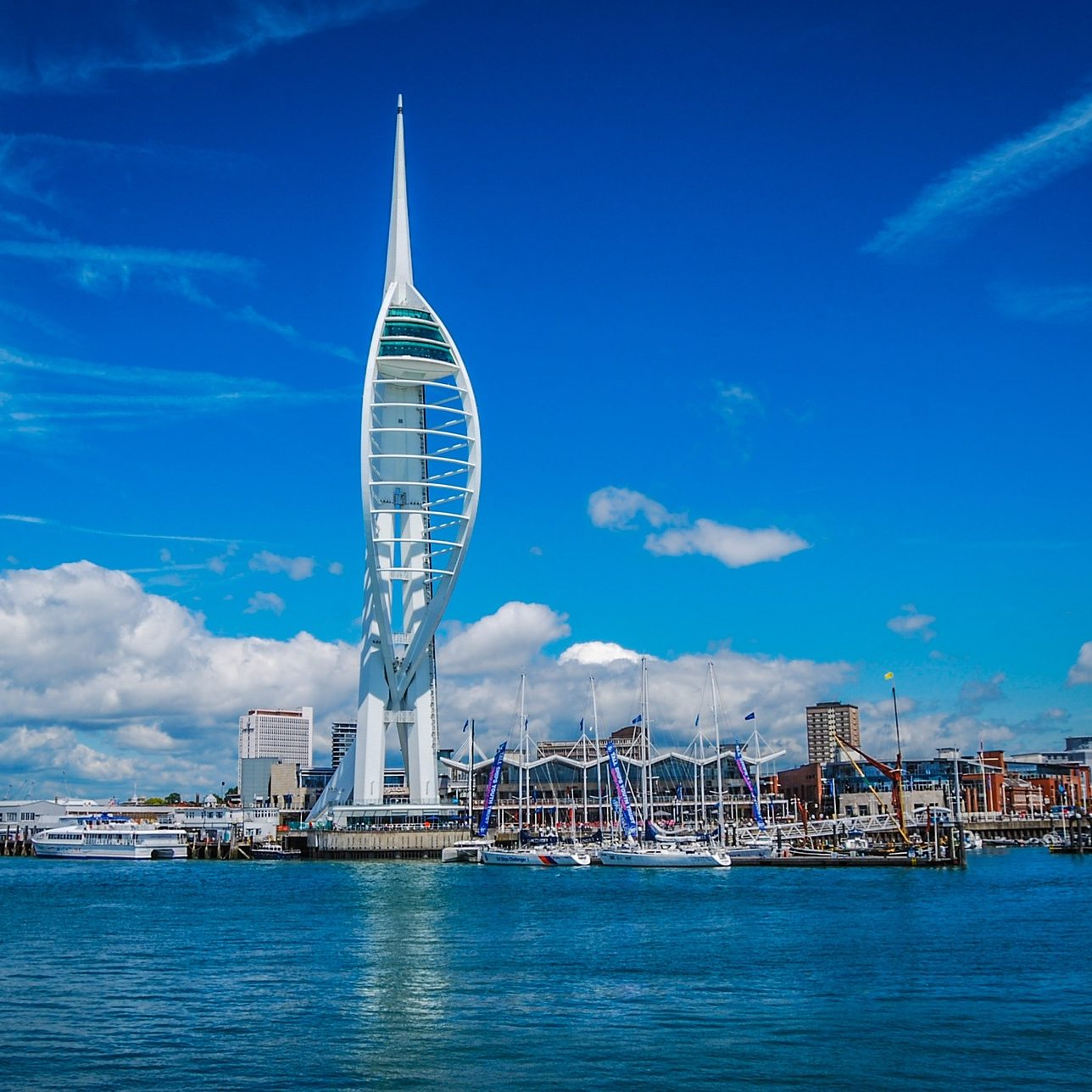 spinnaker-tower-717434_1920